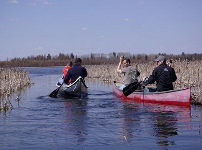 canoeists in narrows may 08_resize